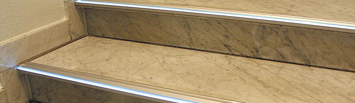 beleuchtetes Treppenstufenprofil